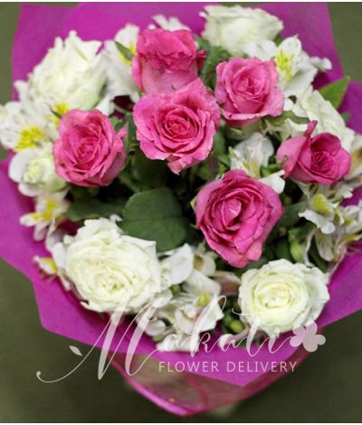 1 dozen pink and white roses