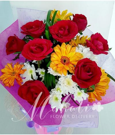 8 Red Roses with Gerberas (Round Bouquet)